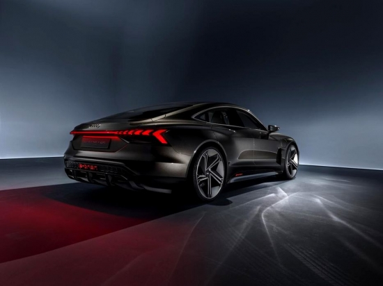 The most impressive Audi E-Tron GT! It is designed to compete with the Porsche Taycan