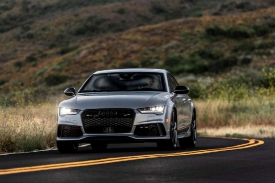 The fastest armored car in the world is the Audi RS7, which reaches 325 km / h